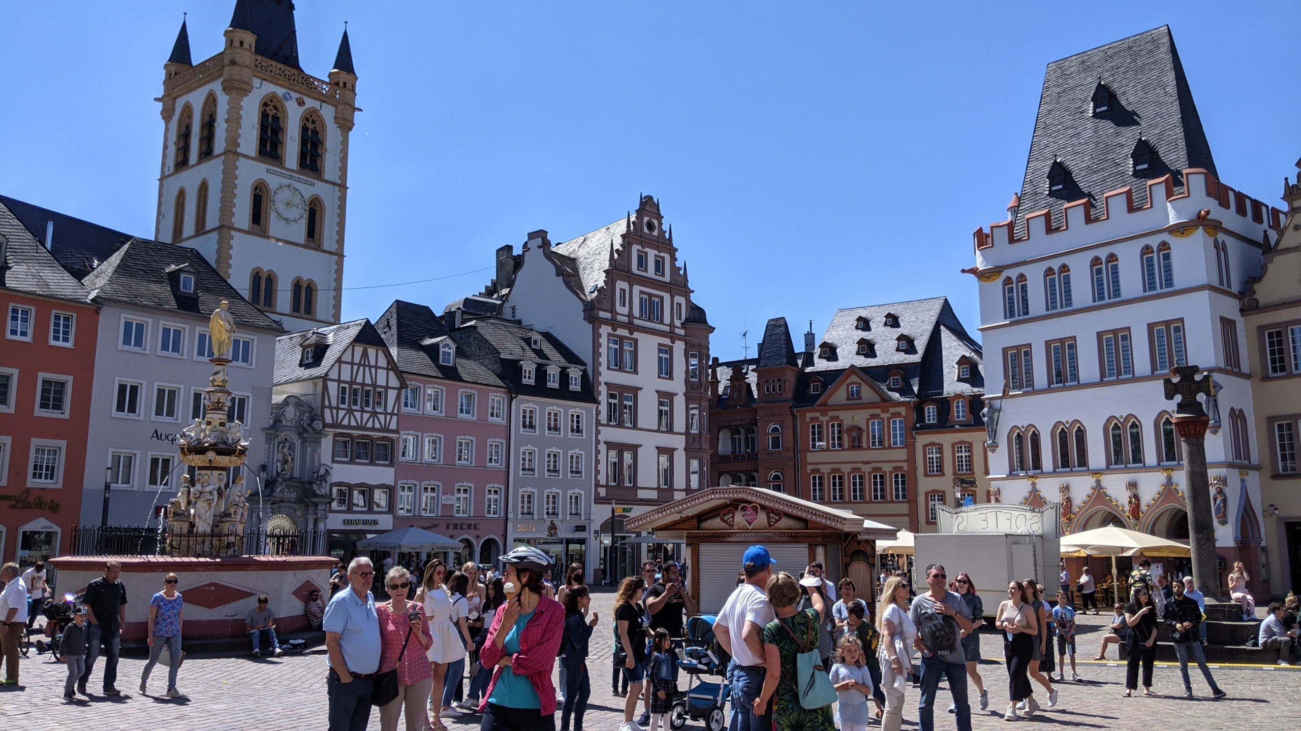ハウプト広場(Hauptmarkt)